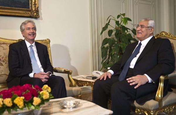 William Burns se reunió hoy en El Cairo con el presidente interino egipcio, Adli Mansur.