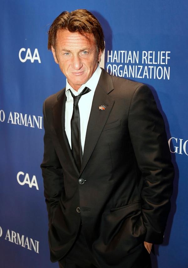 Sean Penn organizó una gala concurrida por un selecto grupo de celebridades, para recaudar fondos para Haití. | AP