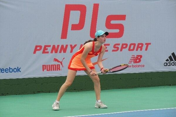 La tenista costarricense Juli Raventós venció a la hondureña Elisa Guillén con parciales 6-1 y 6-3. | COPA CARIARI PARA LN.