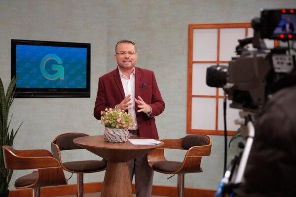 Primer día de Andrés Zamora El Padre Mix como presentador del programa matutino, 'Giros'. Foto Jeffrey Zamora