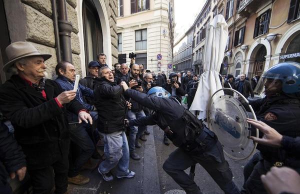 Protestas contra Uber en Roma. / AP