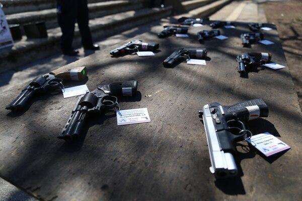 Cada cuatro horas la Policía se incauta de un arma de fuego ilegal. La mayoría son pistolas y revólveres. Foto: MSP