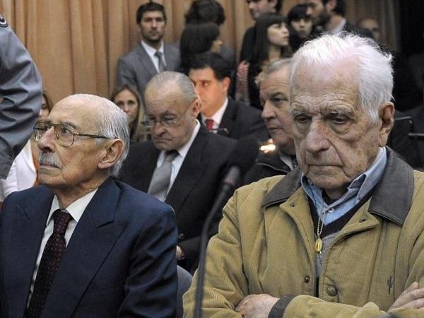 Los exdictadores Jorge Rafael Videla y Reynaldo Bignone fueron responsabilizados por la justicia argentina por el plan de adopciones ilegales de bebés y desaparición de las madres. | ARCHIVO