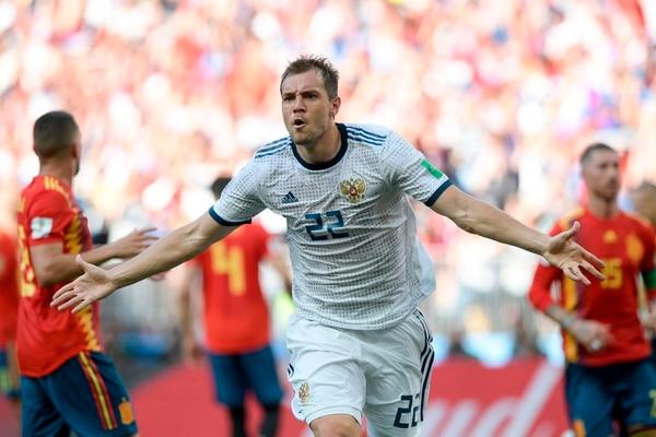 Artem Dzyuba anotó de penal ante España en los octavos de final de Rusia 2018. AFP PHOTO / Juan Mabromata / RESTRICTED TO EDITORIAL USE - NO MOBILE PUSH ALERTS/DOWNLOADS