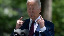 Biden nomina a latino crítico de Trump para dirigir el Servicio de Inmigración en EE. UU.