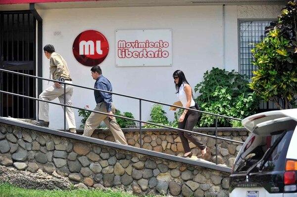 El 18 de mayo del 2011 funcionarios del OIJ allanaron las que entonces eran las oficinas del Movimiento Libertario en Barrio Fátima de San Pedro de Montes de Oca.