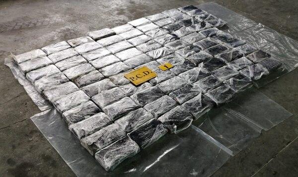 Los paquetes de droga quedaron bajo custodia de la Policía de Control de Drogas (PCD). Foto: MSP