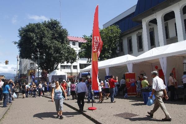Feria del ahorro en San José. Las tasas de interés para ahorros han aumentado ./Gesline Anrango