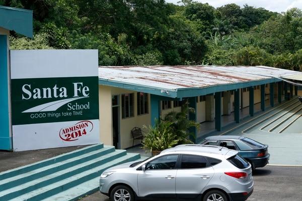 El Colegio Bilingüe Santa Fe está ubicado en La Garita de Alajuela y ofrecía educación desde preescolar hasta secundaria.   ADRIÁN SOTO/ARCHIVO.