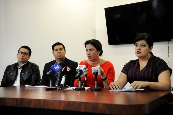 La Ministra de Justicia, Marcia González (de rojo), dijo que solo negociarán con quienes demuestren diálogo positivo.Foto: Rafael Murillo.