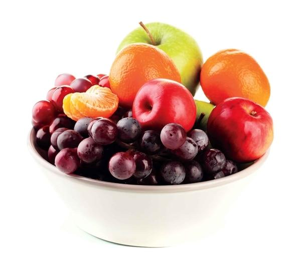No se recomienda eliminar frutas, cereales y harinas de la dieta de una persona diabética.