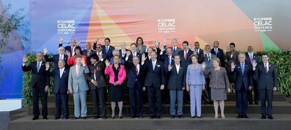 Raúl Castro llegó a Costa Rica, en enero del 2015, para la cumbre de presidentes y jefes de Estado de la Comunidad de Estados Latinoamericanos y del Caribe (Celac), en San José. | ALBERT MARÍN.