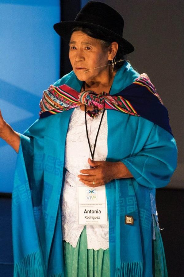Antonia Rodríguez es una indígena boliviana que ha impulsado el desarrollo de las mujeres. | DANIEL CASTRO PARA LN.