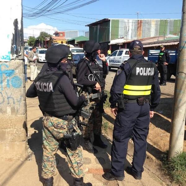 El día de los hechos, la policía con unidades especiales como la Unidad Especial de Apoyo y el Grupo de Apoyo Operacional realizaron la búsqueda de los tres asaltantes en Guararí y zonas aldeñas.