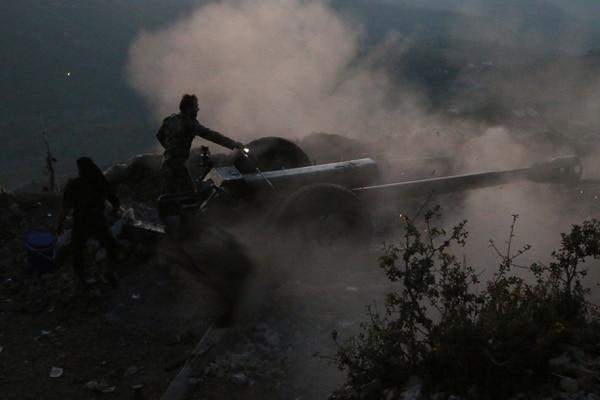 Las tropas del régimen de Siria combatían el fin de semana en la provincia de Latakia, en una posición ubicada a unos 12 kilómetros de la frontera con Turquía. La intervención de Rusia en el conflicto fue motivo de repudio, el miércoles, por musulmanes sunitas que protestaron frente a la embajada de ese país en Beirut, Líbano.