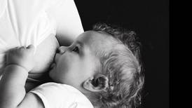 Lactancia materna protegería contra infecciones de bacterias resistentes a antibióticos