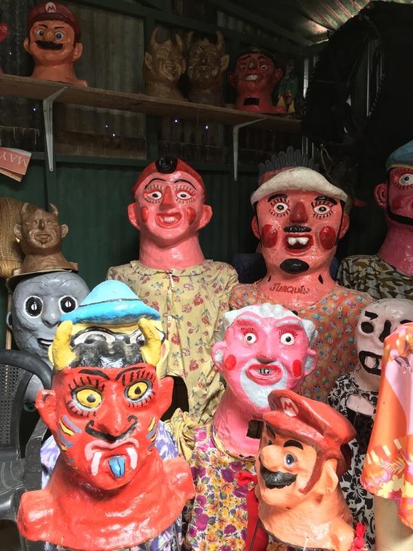 Heredero. Las mascaradas en el taller de Gerardo Montoya.
