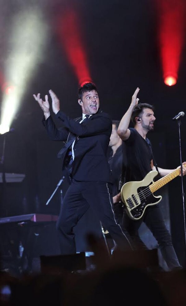 Ricky Martin mostró sensualidad desde que puso un pie en la tarima hasta el final de su espectáculo.
