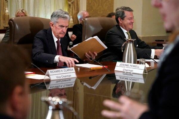 """La Reserva Federal, dirigida por Jerome Powell, señaló que la economía """"ha estado creciendo con una fuerte tasa"""". Foto AP."""