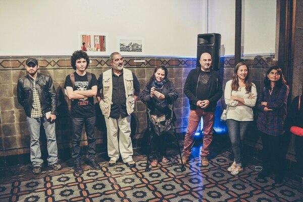 7. Los fotógrafos (izq.) Jeffrey Arguedas, David Bolaños, Marco Monge, Teresita Chavarría, Ezequiel Beccerra, Eyleen Vargas y Mayela López.
