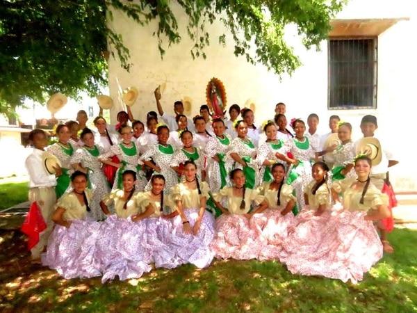 Grupo Añoranzas del CTP de Hojancha.