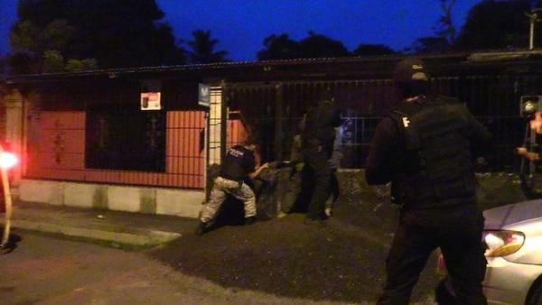 El OIJ realizó siete allanamientos en Puntarenas. Foto: Andrés Garita, corresponsal GN