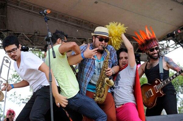 Los Ajenos durante su presentación en la feria internacional del CATIE del 2013. La banda tocará el domingo en Carrizal. Fotografía: Mayela López/Archivo.