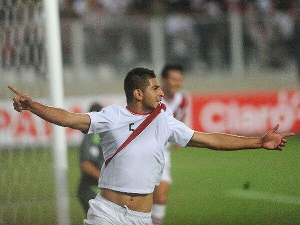 Las selecciones de fútbol de Perú y Argentina igualaron 1-1 en un vibrante partido disputado en el estadio Nacional de Lima. | AFP.