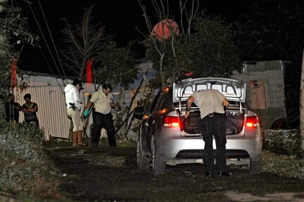 Agentes de Recolección de Indicios del OIJ revisaron la escena y levantaron evidencias en el sitio.