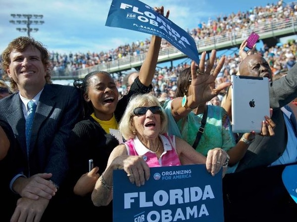 Seguidores del presidente Barack Obama lo vitorearon ayer en un mitin en Delray Beach, Florida. | AP