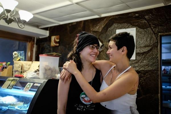 Laura Florez Estrada y su pareja, Jazmín Elizondo están inscritas como matrimonio en el TSE desde el 25 de julio.