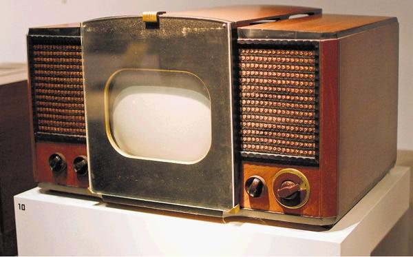 Un televisor RCA 630-TS, el primero producido de forma masiva; se vendió entre 1946 y 1947.