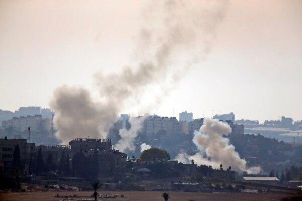 El Ejército israelí efectuó la primera incursión terrestre en la Franja de Gaza durante la madrugada de este domingo.