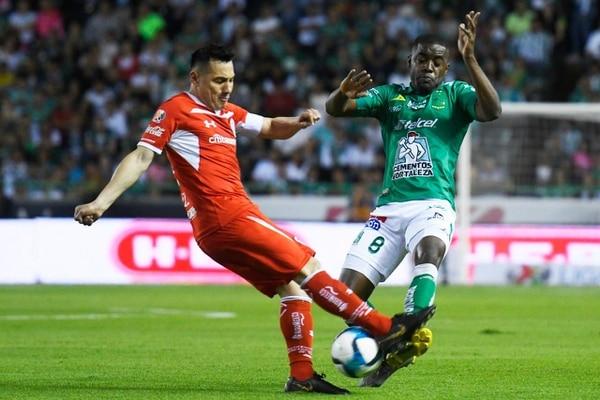 Joel Campbell jugó 89 minutos frente a Toluca. Fotografía: Facebook de León.