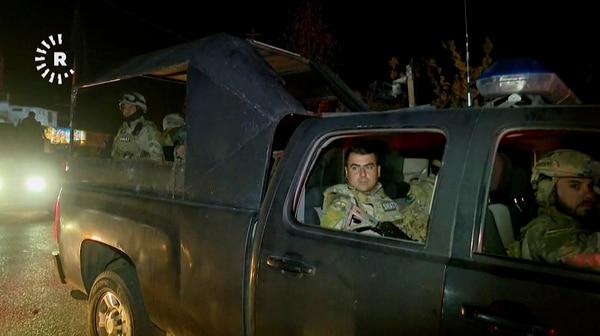 Combatientes kurdos en un vehículo militar en la ciudad de ciudad de Kirkuk, el domingo 15 de octubre.