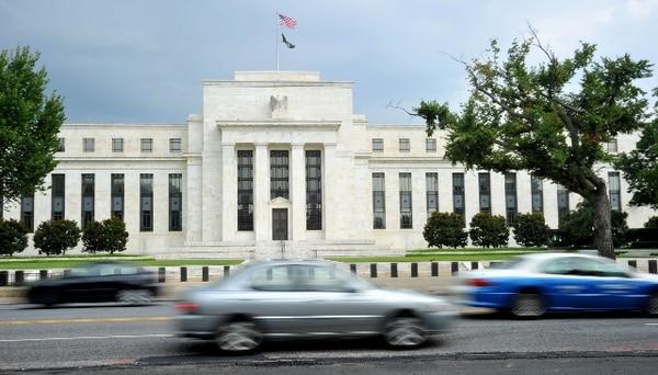 Inversores se retiran de mercados emergentes por cambio de política de la Fed - 1