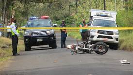 Derrape cobra vida de joven motociclista en Florencia de San Carlos