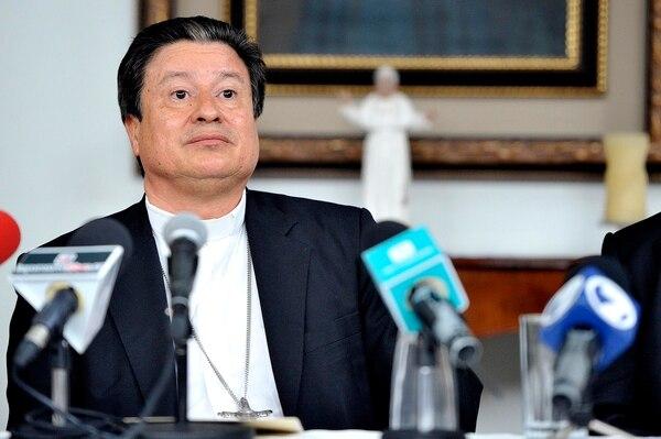 José Rafael Quirós, arzobispo de San José, firmó el documento en el que la Iglesia censura los programas de educación para la sexualidad del MEP y la directriz presidencial contra la discriminación por motivos de diversidad sexual.