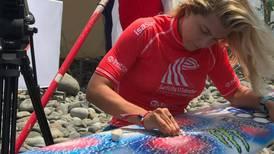 Leilani McGonagle sigue a paso firme en el Mundial de Surf