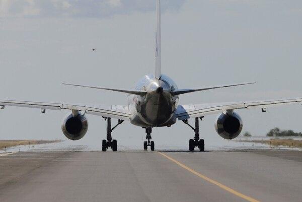 Vista del Aeropuerto Internacional Juan Santamaría en Alajuela. La FAA señaló incumplimientos a las autoridades nacionales en temas de seguridad área (Imagen con fines ilustrativos) / Archivo / Albert Marín.