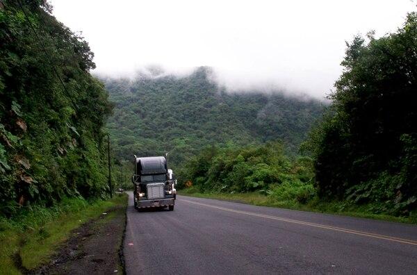 La ruta 32, entre San José y Limón, estuvo cerrada por poco más de 18 horas.