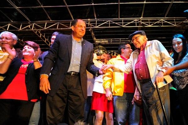 Alberto Cañas acompañó a Luis Guillermo Solís el 2 de febrero, cuando el entonces candidato del PAC se impusó sobre Johnny Araya, del PLN.