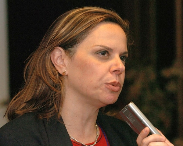 Ana Elena Chacón militó en el PUSC donde fue diputada y se desempeñó como viceministra de Gobernación en el Gobierno de Abel Pacheco. Ahora tiene la oferta de Luis Guillermo Solís para ser candidata a una vicepresidencia de la República por el PAC.