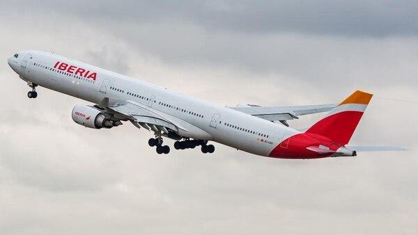 Los tiquetes aéreos internacionales tendrán que pagar 4% de IVA sobre el 10% del precio total del boleto. La medida aplica a partir del 1.° de julio. Fotografía Archivo (Imagen con fines ilustrativos).