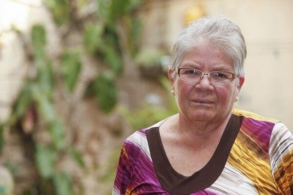 Blanca Picado, vecina de Tibás, trabajó durante 15 años y recientemente inició el trámite para obtener su pensión. Ella solicitó su estudio de cuotas a las CCSS y debe esperar a cumplir 65 años para acceder al beneficio. | JORGE ARCE