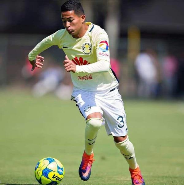 Gerson Torres jugó su primer partido como titular en el equipo Sub 20 del América, en el clásico mexicano ante las Chivas de Guadalajara.