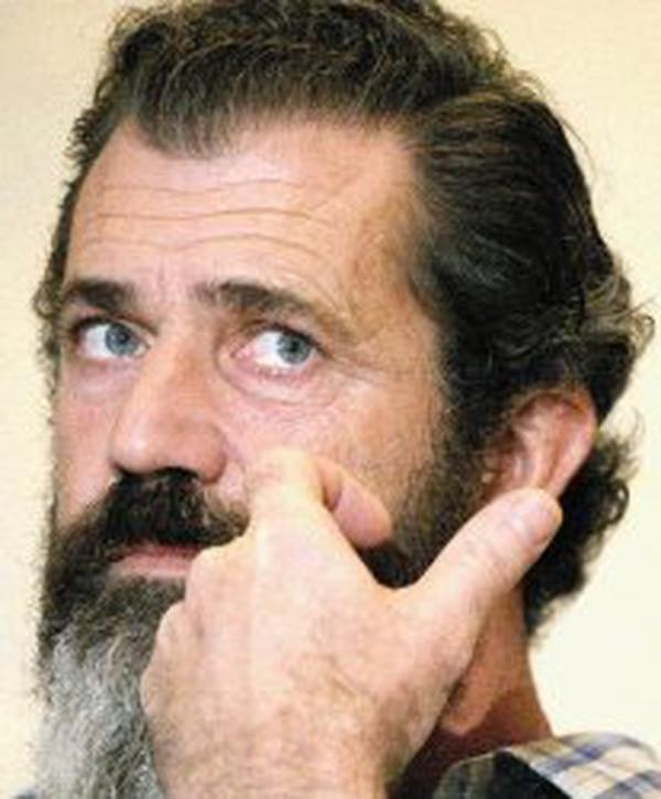 Mel Gibson ganó el Óscar a mejor director en 1996 por Corazón Valiente. Foto: AFP.