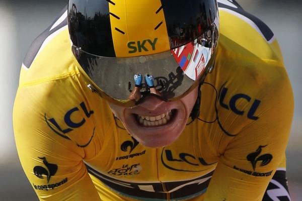 Chris Froome gesticula durante la etapa de hoy miércoles en el Tour de Francia, una contrarreloj de 33 kilómetros.
