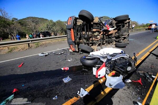 El incidente ocurrió en el carril del sentido San José-Caldera. Foto: Rafael Pacheco