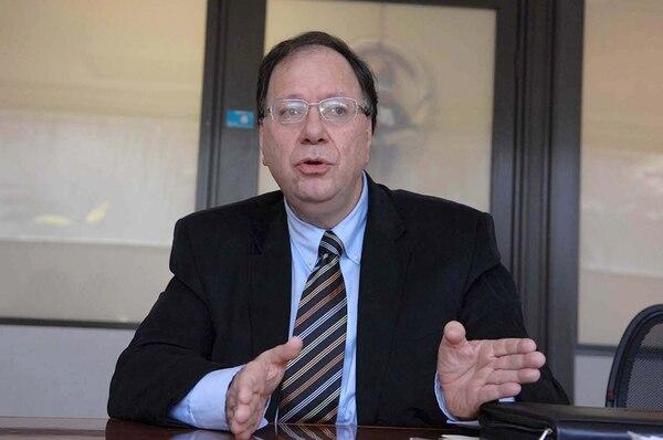 Dennis Meléndez argumentó que el salario del regulador general y del adjunto no se ajustaban según el mercado desde hacía cinco años. | ARCHIVO